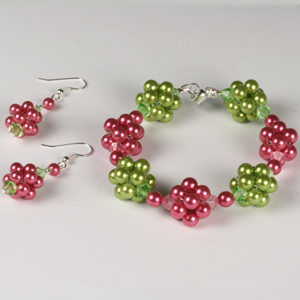 WS22-AUG1 Beaded Bead Bracelet & Earrings:Tuesday 26 August 10 30 am - 12 30pm