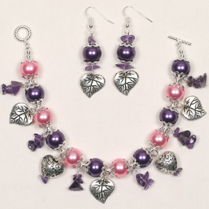 WS01-APR1 Beginners Workshop - Pearly Bracelet & Earrings:  Saturday 5 April 10 30 am - 12 30 pm