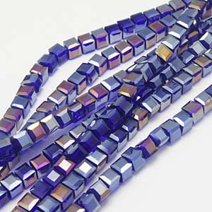 CRB18-18 crystal faceted cube - blue violet