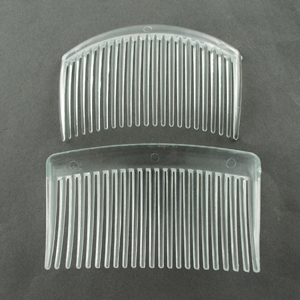 JF225 Clear plastic hair combs - long