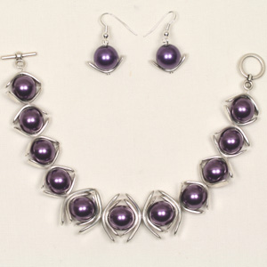 kit 92B Kit 92B Pearl and Metal Arc Bracelet & Earrings